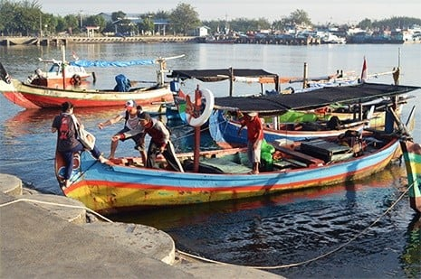 Indonesia fisherman who are benefitting from Satellite connectivity in Indonesia